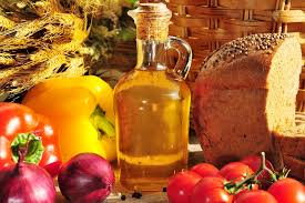 In 2014 the companies of the Altai Territory produced 57 liters of vegetable oil and 134 kg of cereals per resident of the region